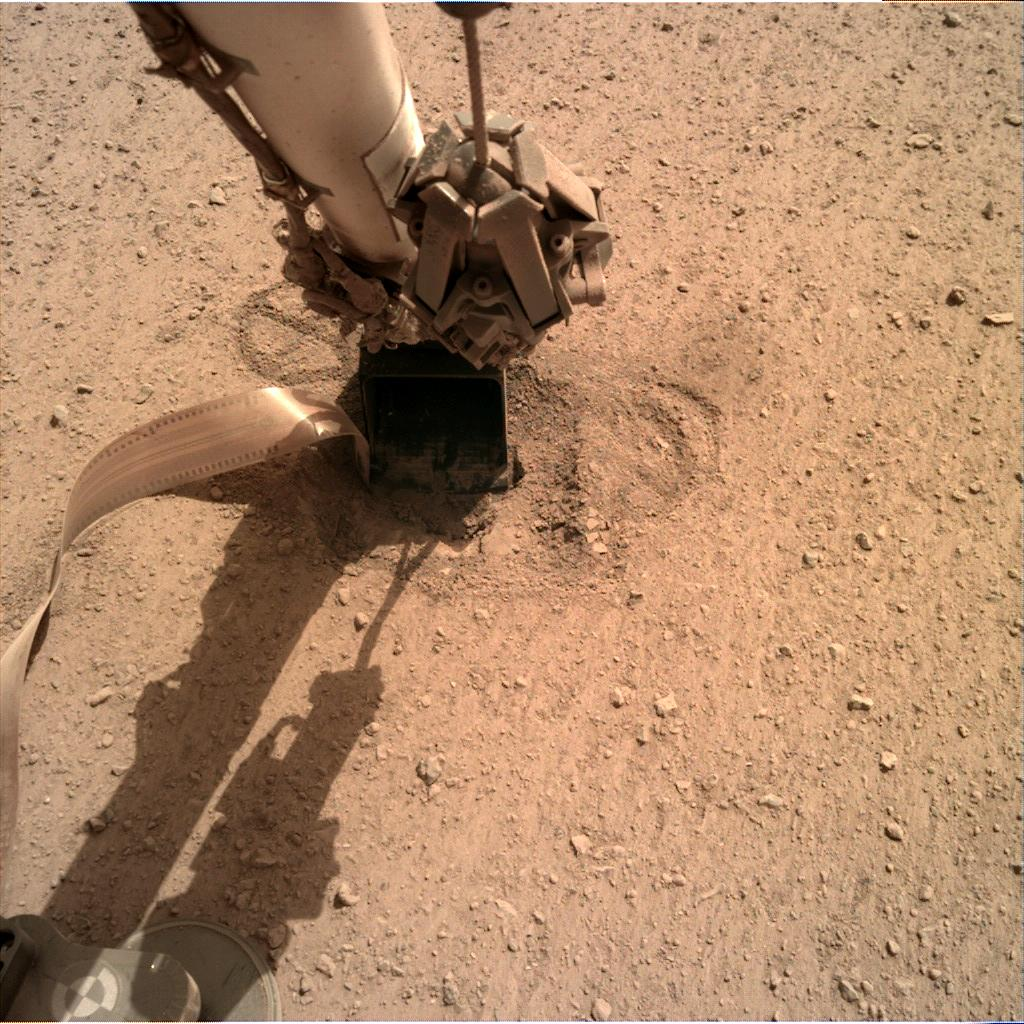 Nasa's Mars lander InSight acquired this image using its Instrument Deployment Camera on Sol 624