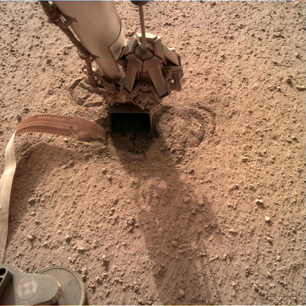 Nasa's Mars lander InSight acquired this image using its Instrument Deployment Camera on Sol 646