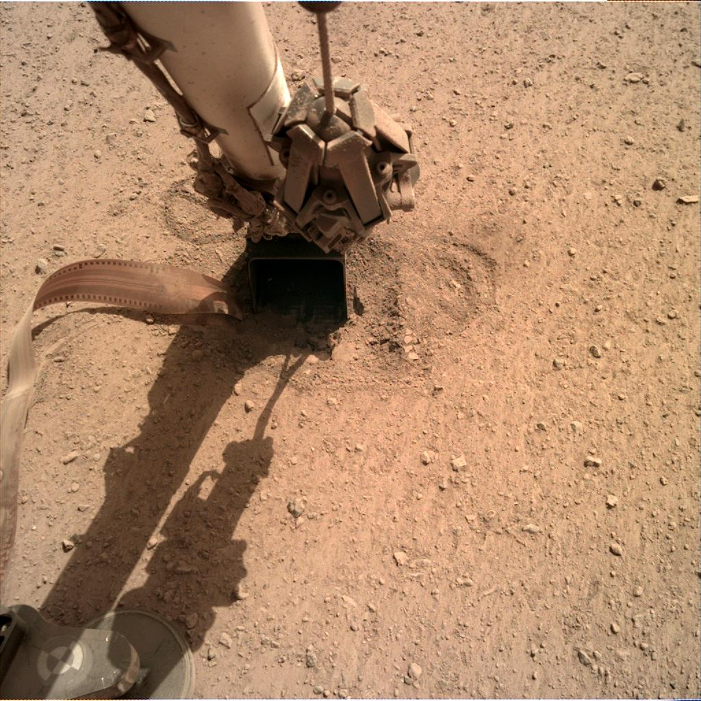 Nasa's Mars lander InSight acquired this image using its Instrument Deployment Camera on Sol 656
