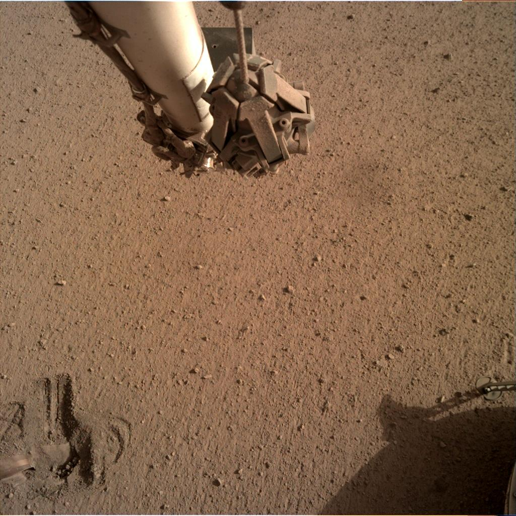 Nasa's Mars lander InSight acquired this image using its Instrument Deployment Camera on Sol 660