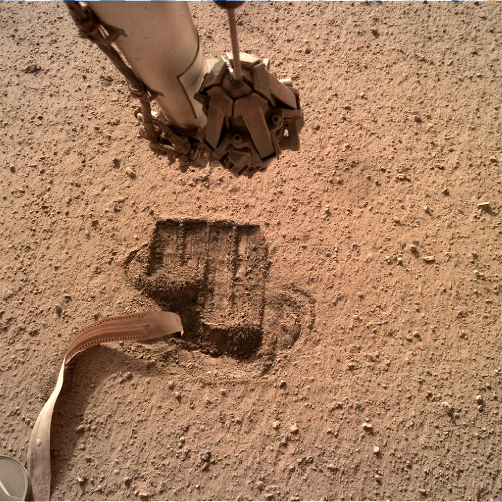 Nasa's Mars lander InSight acquired this image using its Instrument Deployment Camera on Sol 674