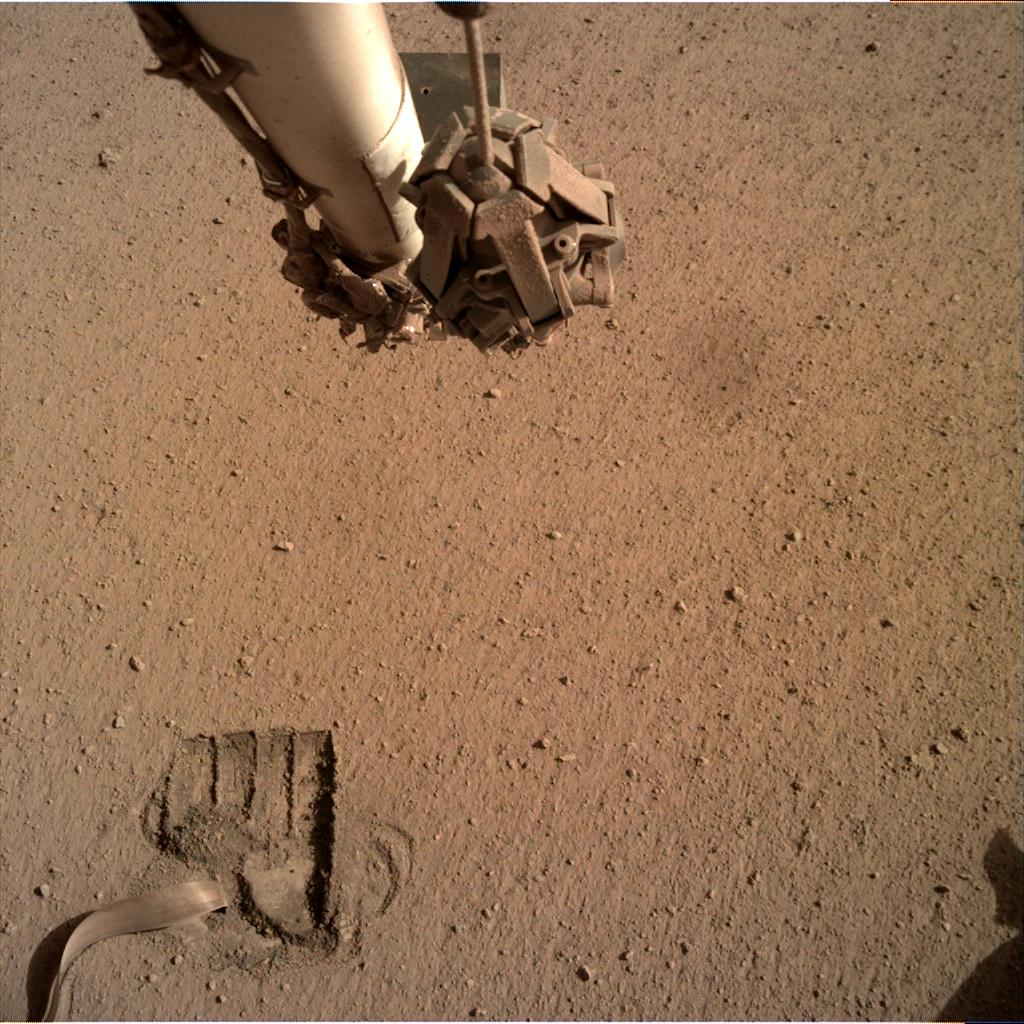 Nasa's Mars lander InSight acquired this image using its Instrument Deployment Camera on Sol 686