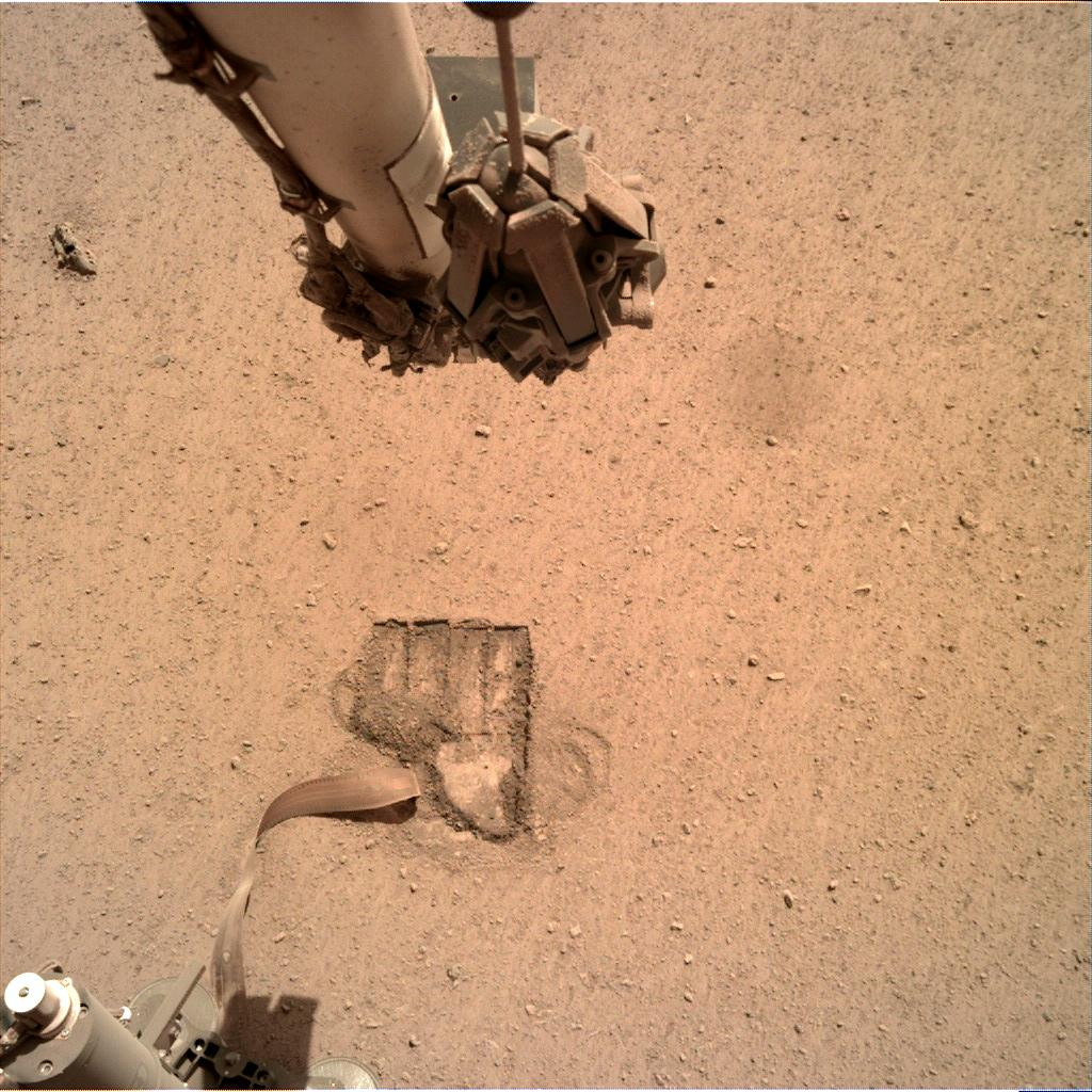 Nasa's Mars lander InSight acquired this image using its Instrument Deployment Camera on Sol 688