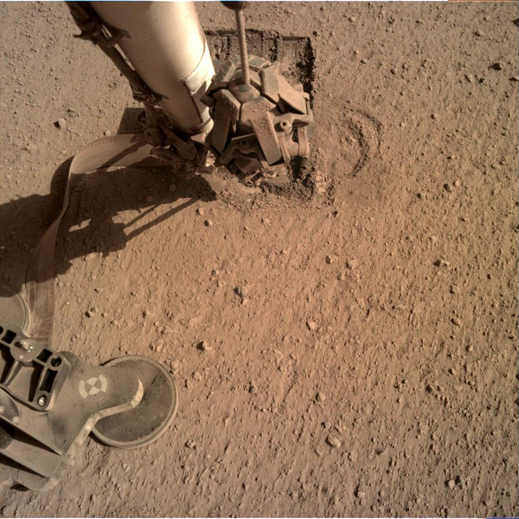 Nasa's Mars lander InSight acquired this image using its Instrument Deployment Camera on Sol 700