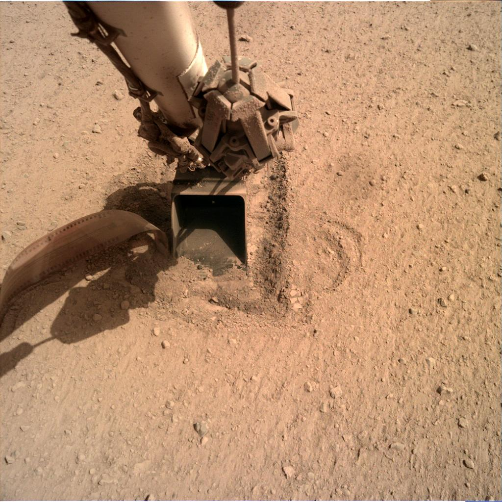 Nasa's Mars lander InSight acquired this image using its Instrument Deployment Camera on Sol 754