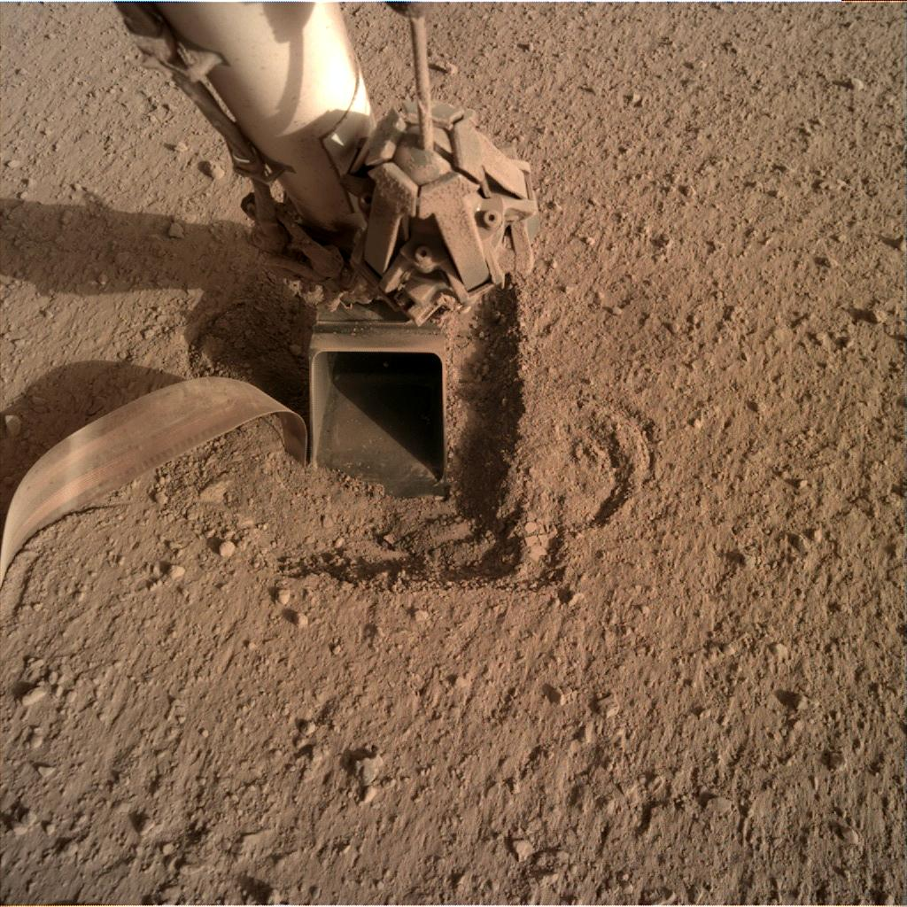 Nasa's Mars lander InSight acquired this image using its Instrument Deployment Camera on Sol 770