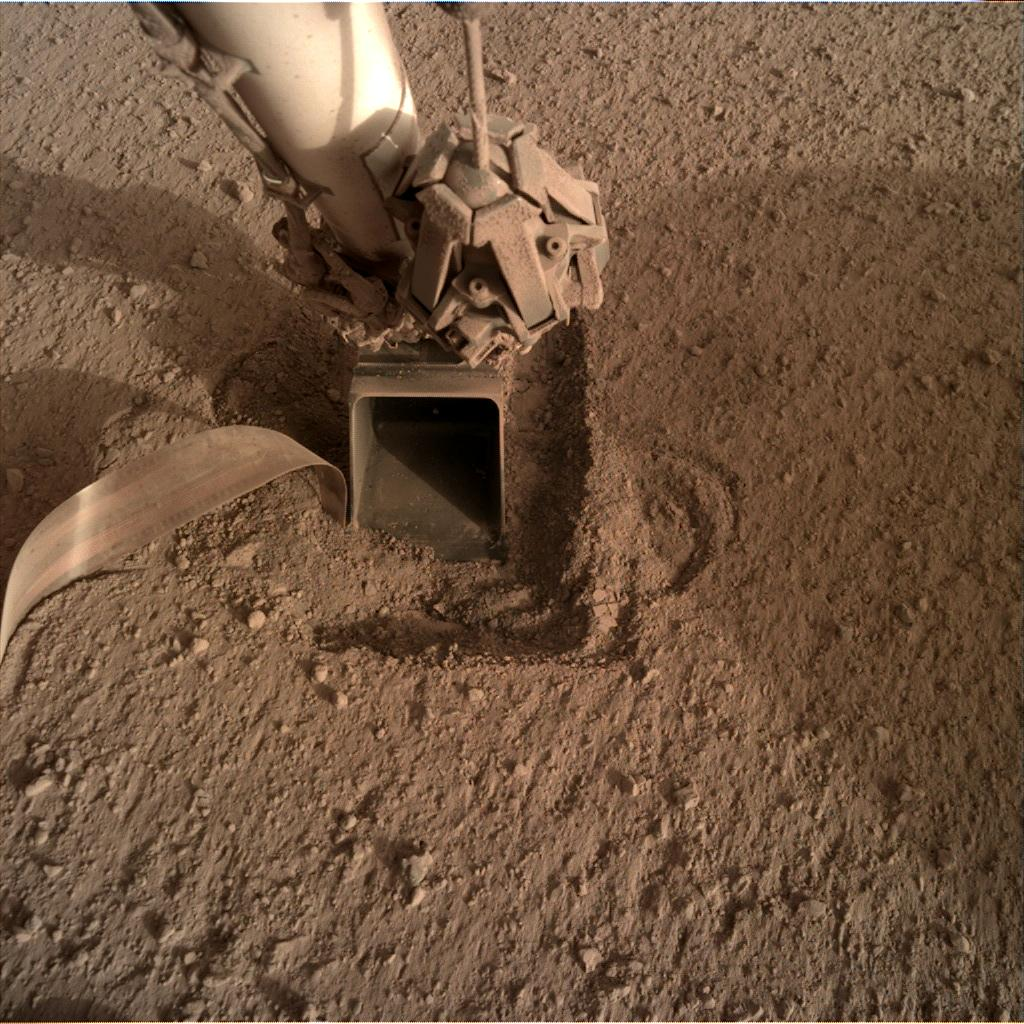 Nasa's Mars lander InSight acquired this image using its Instrument Deployment Camera on Sol 773
