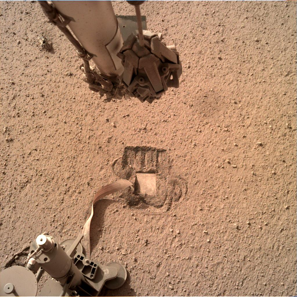 Nasa's Mars lander InSight acquired this image using its Instrument Deployment Camera on Sol 776