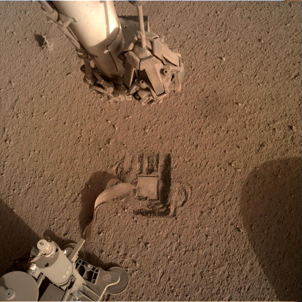 Nasa's Mars lander InSight acquired this image using its Instrument Deployment Camera on Sol 783
