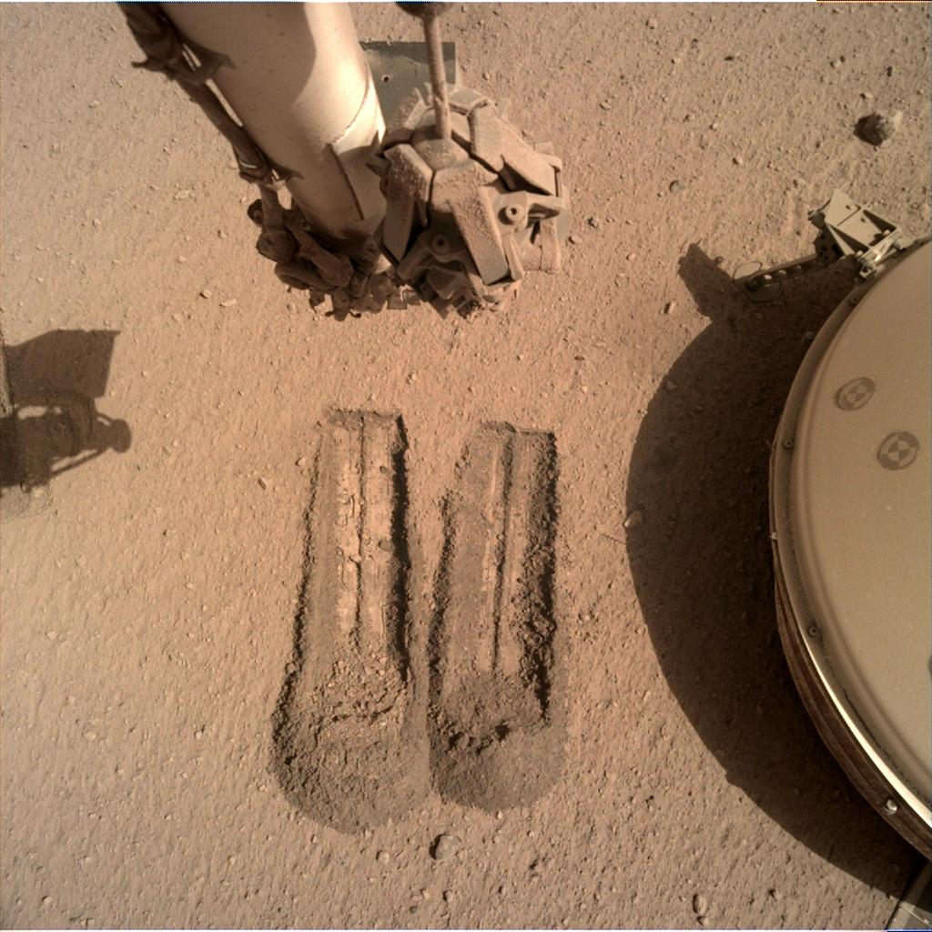 Nasa's Mars lander InSight acquired this image using its Instrument Deployment Camera on Sol 803