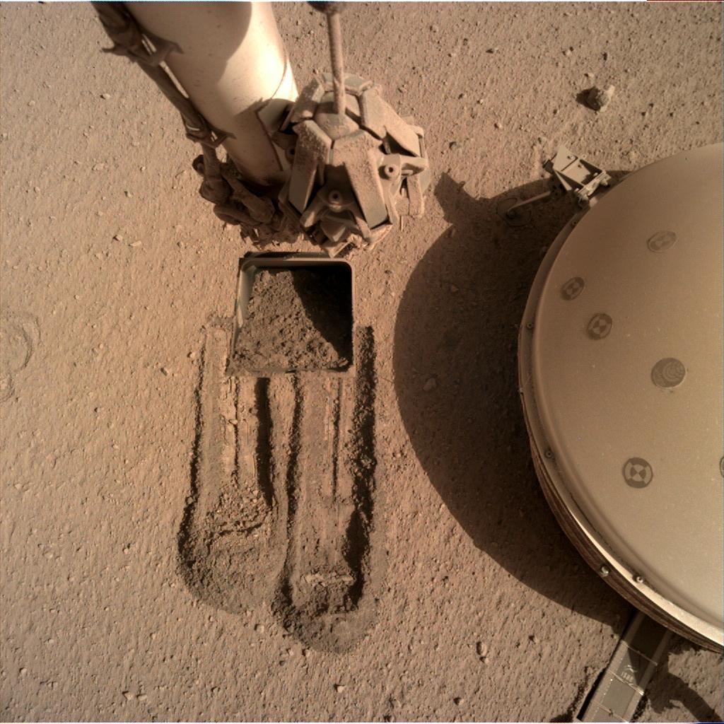 Nasa's Mars lander InSight acquired this image using its Instrument Deployment Camera on Sol 816