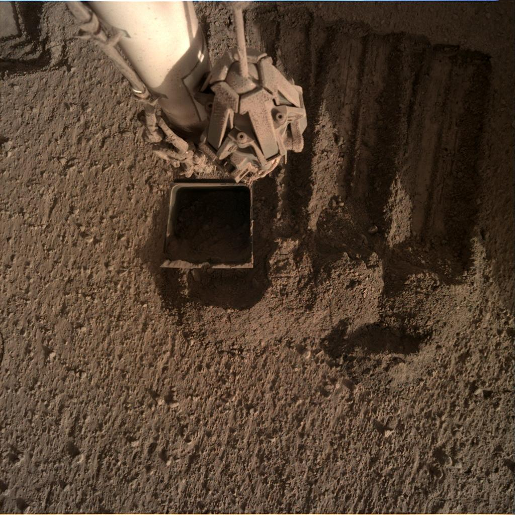 Nasa's Mars lander InSight acquired this image using its Instrument Deployment Camera on Sol 841