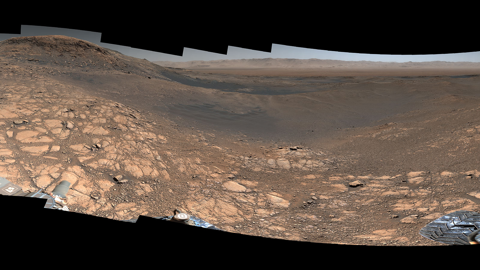 Curiosity's 1.8-Billion-Pixel Panorama