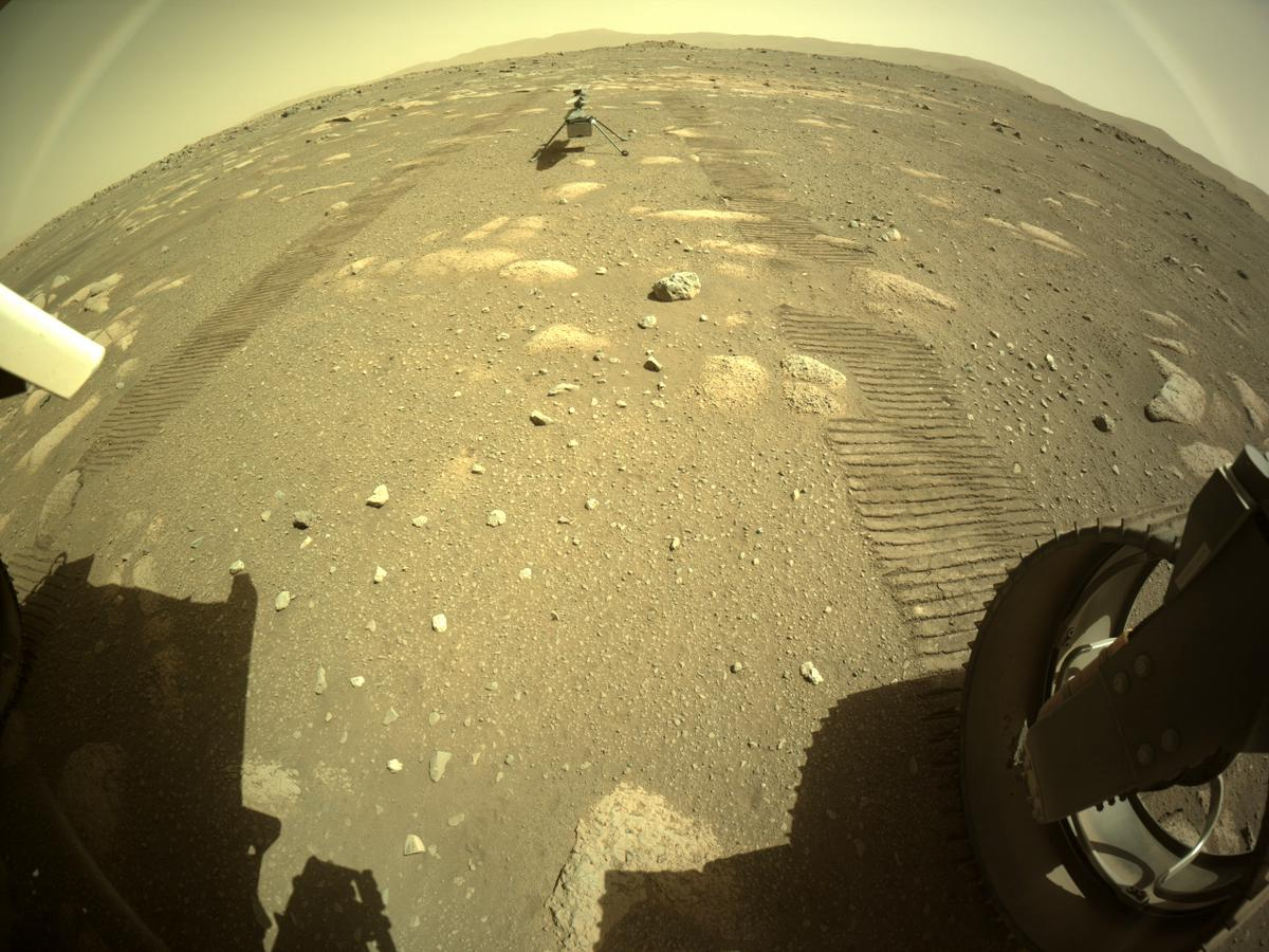 This image was taken by REAR_HAZCAM_RIGHT onboard NASA's Mars rover Perseverance on Sol 43