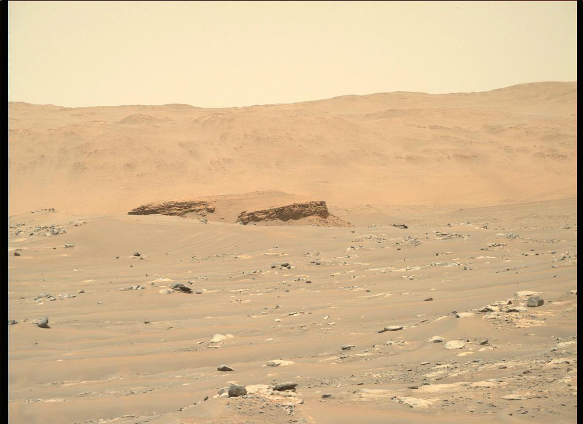 This image was taken by MCZ_RIGHT onboard NASA's Mars rover Perseverance on Sol 121