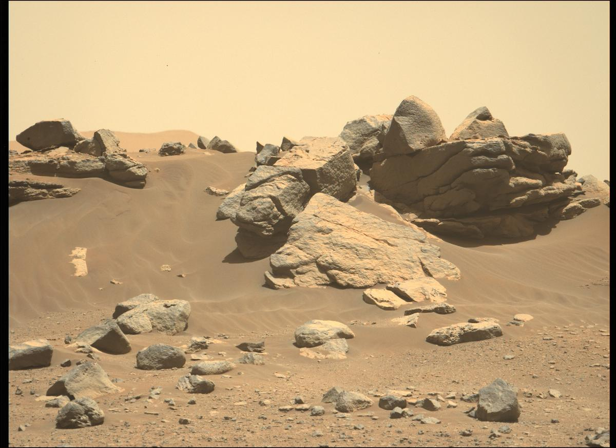 This image was taken by MCZ_LEFT onboard NASA's Mars rover Perseverance on Sol 158