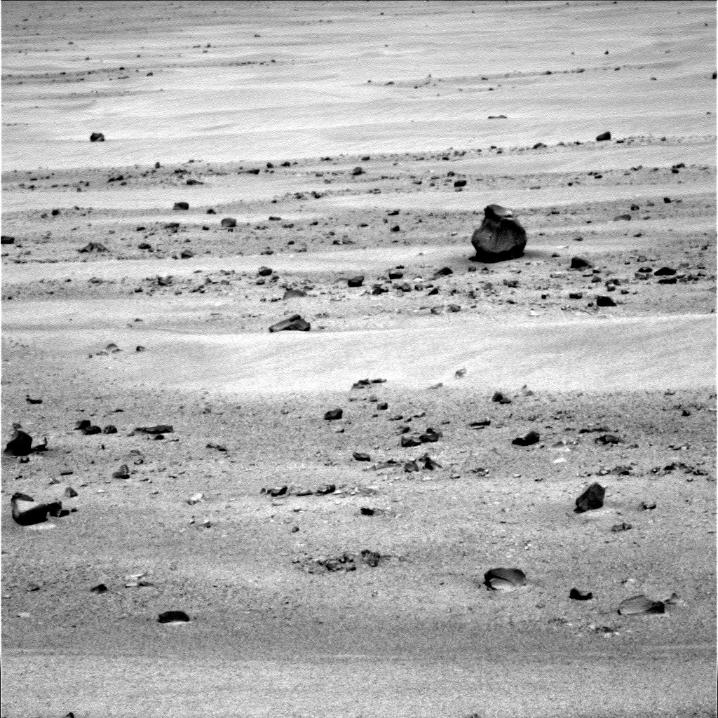 UFO SIGHTINGS DAILY: Hand Gun Found On Mars In NASA Photos