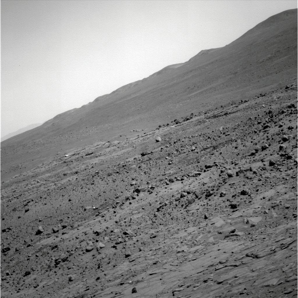 http://marsrovers.jpl.nasa.gov/gallery/all/2/p/1526/2P261833662EFFAY00P2298L7M1.JPG