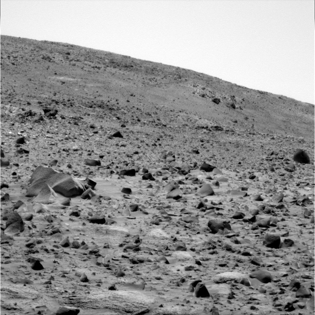 http://marsrovers.jpl.nasa.gov/gallery/all/2/p/676/2P186379087EFFAJQVP2265R2M1.JPG