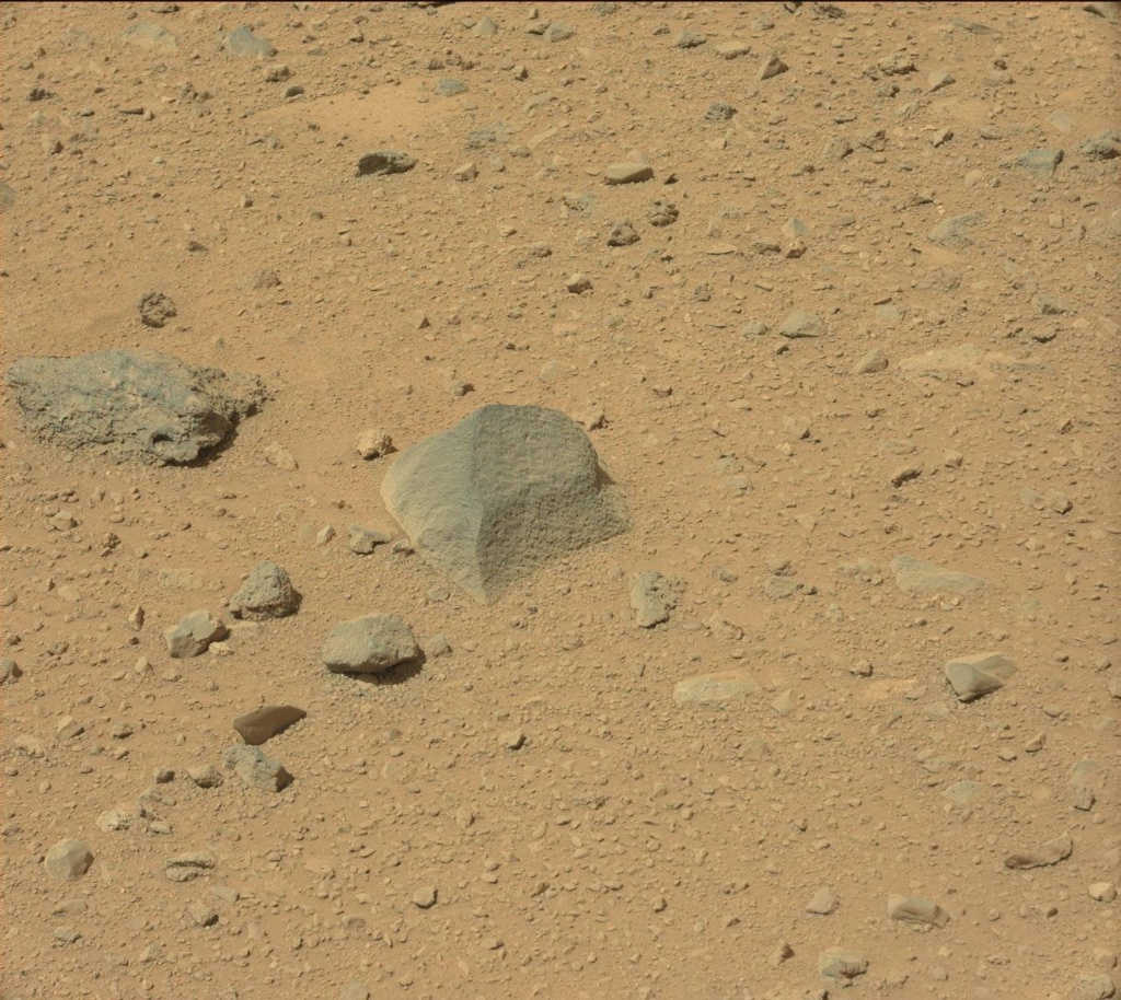 NASA's Mars rover Curiosity acquired this image using its Mast Camera (Mastcam) on Sol 431