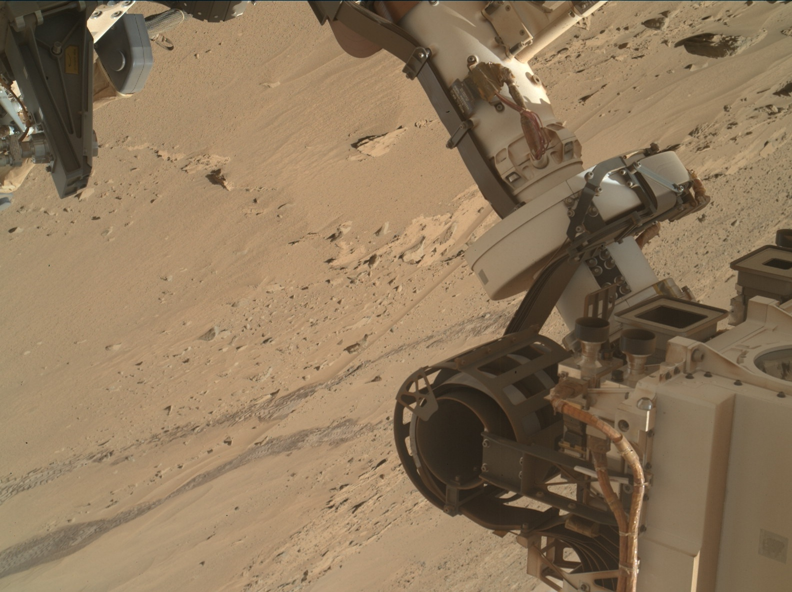 Nasa's Mars rover Curiosity acquired this image using its Mars Hand Lens Imager (MAHLI) on Sol 613, at drive 1330, site number 31