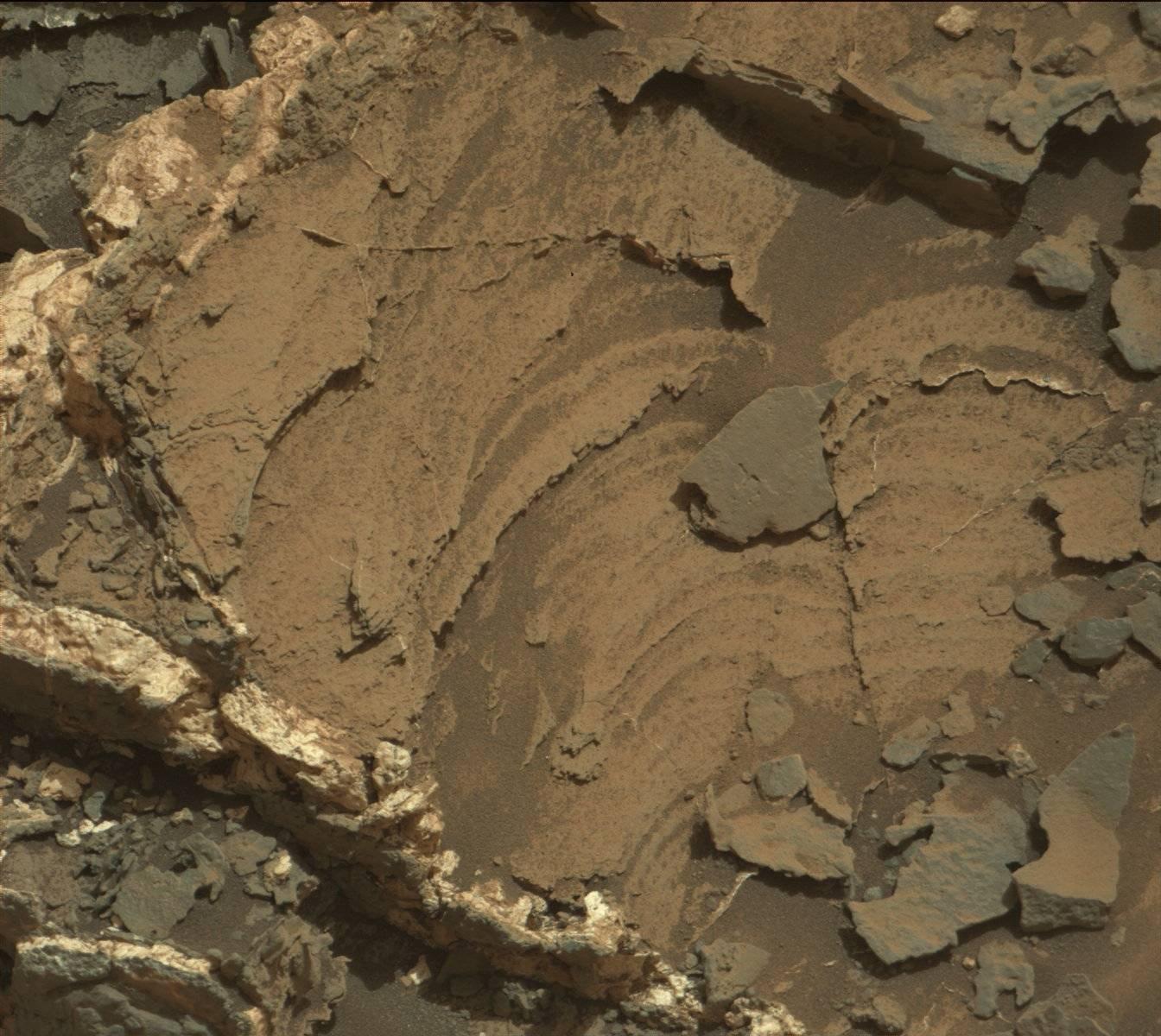 Sol 946 Mastcam image of Kern Peak