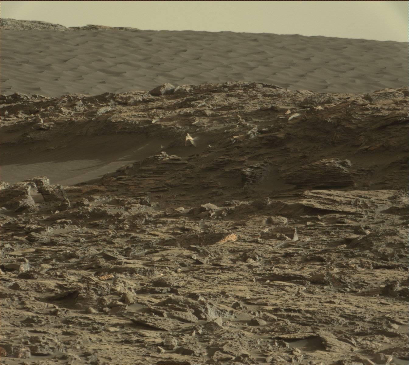 Curiosity Rover, Mars Anomalies, Ancient Life - YouTube