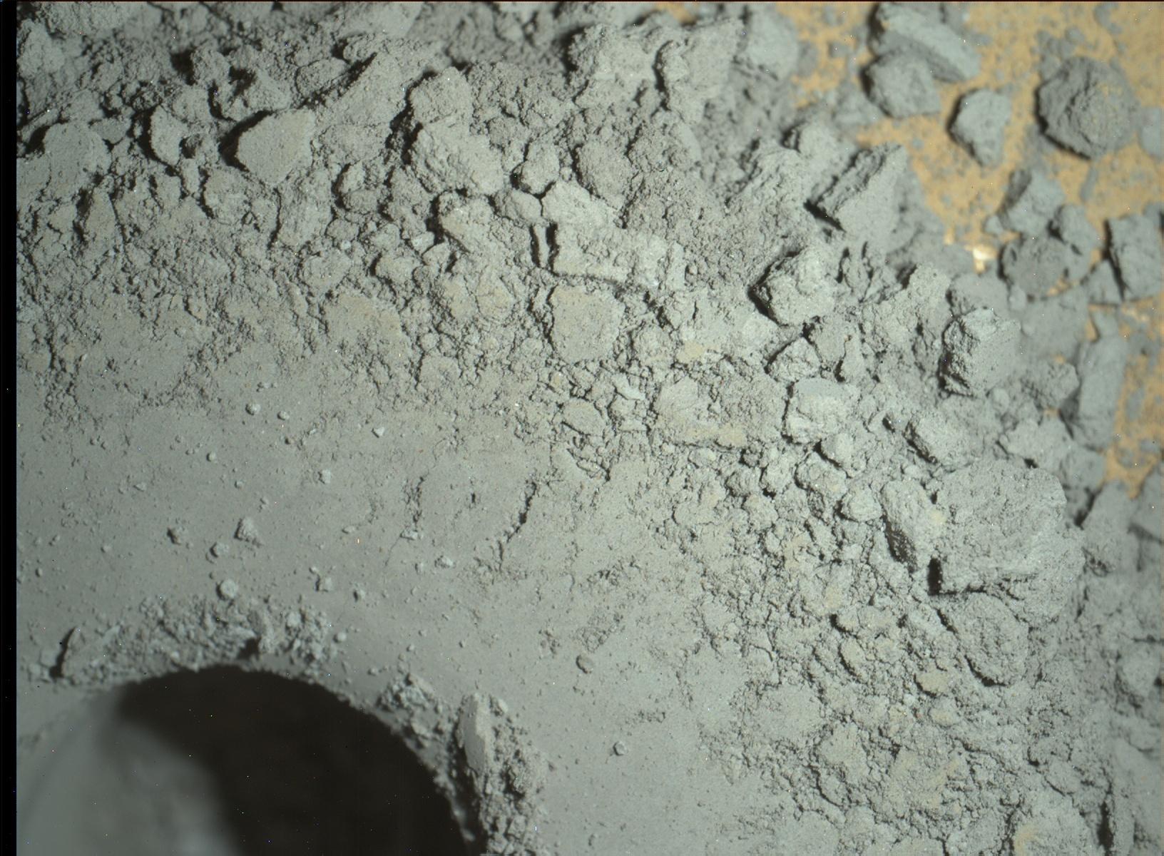 Sol 1364 MAHLI Oudam hole