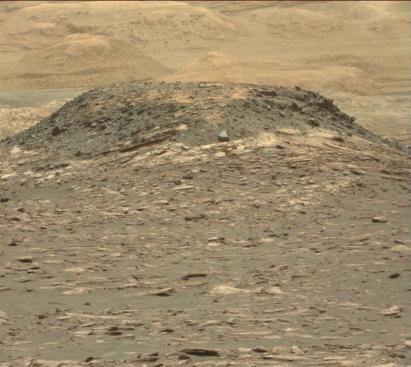 Sol 1539 Mastcam Ireson Hill