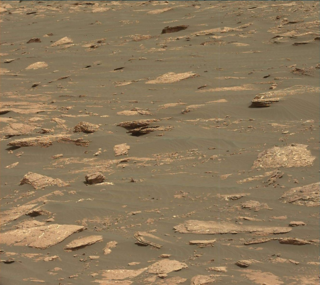 NASA's Mars rover Curiosity acquired this image using its Mast Camera (Mastcam) on Sol 1639