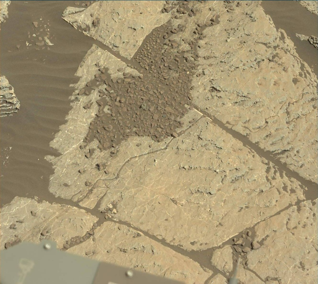 NASA's Mars rover Curiosity acquired this image using its Mast Camera (Mastcam) on Sol 1962