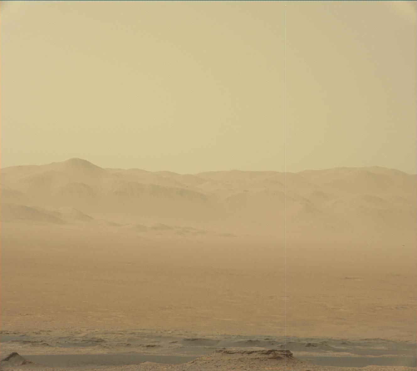 Sol 2076-2078: Dust on the horizon