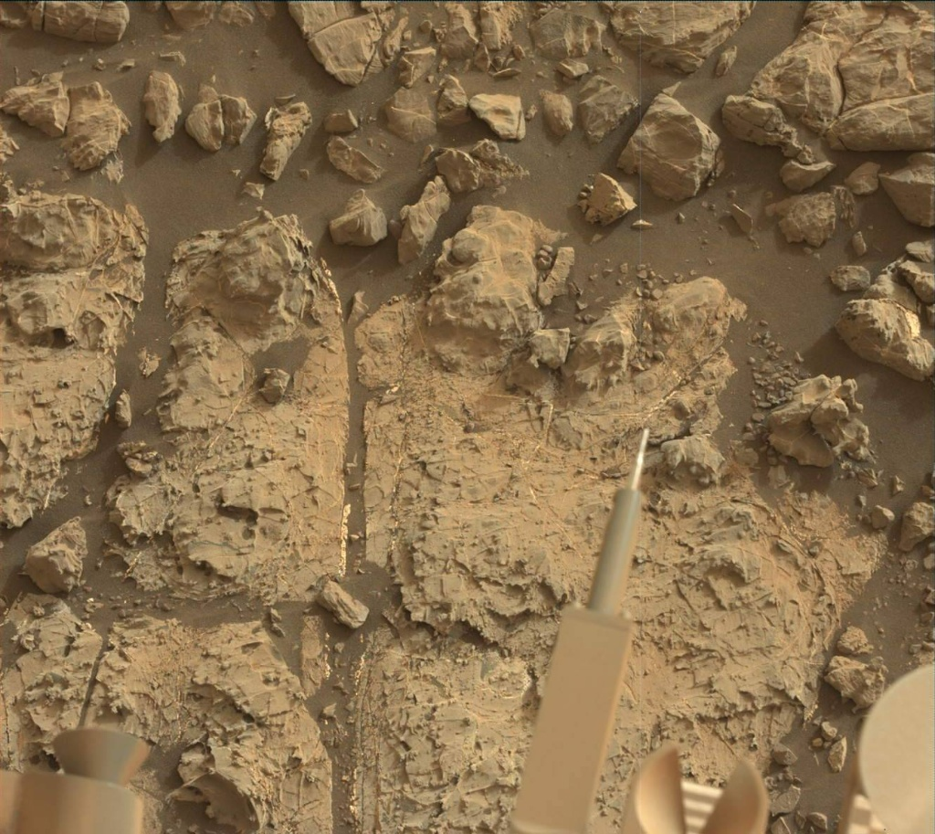 NASA's Mars rover Curiosity acquired this image using its Mast Camera (Mastcam) on Sol 2163