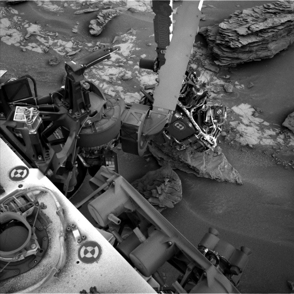 Nasa's Mars rover Curiosity acquired this image using its Left Navigation Camera on Sol 853, at drive 2414, site number 44