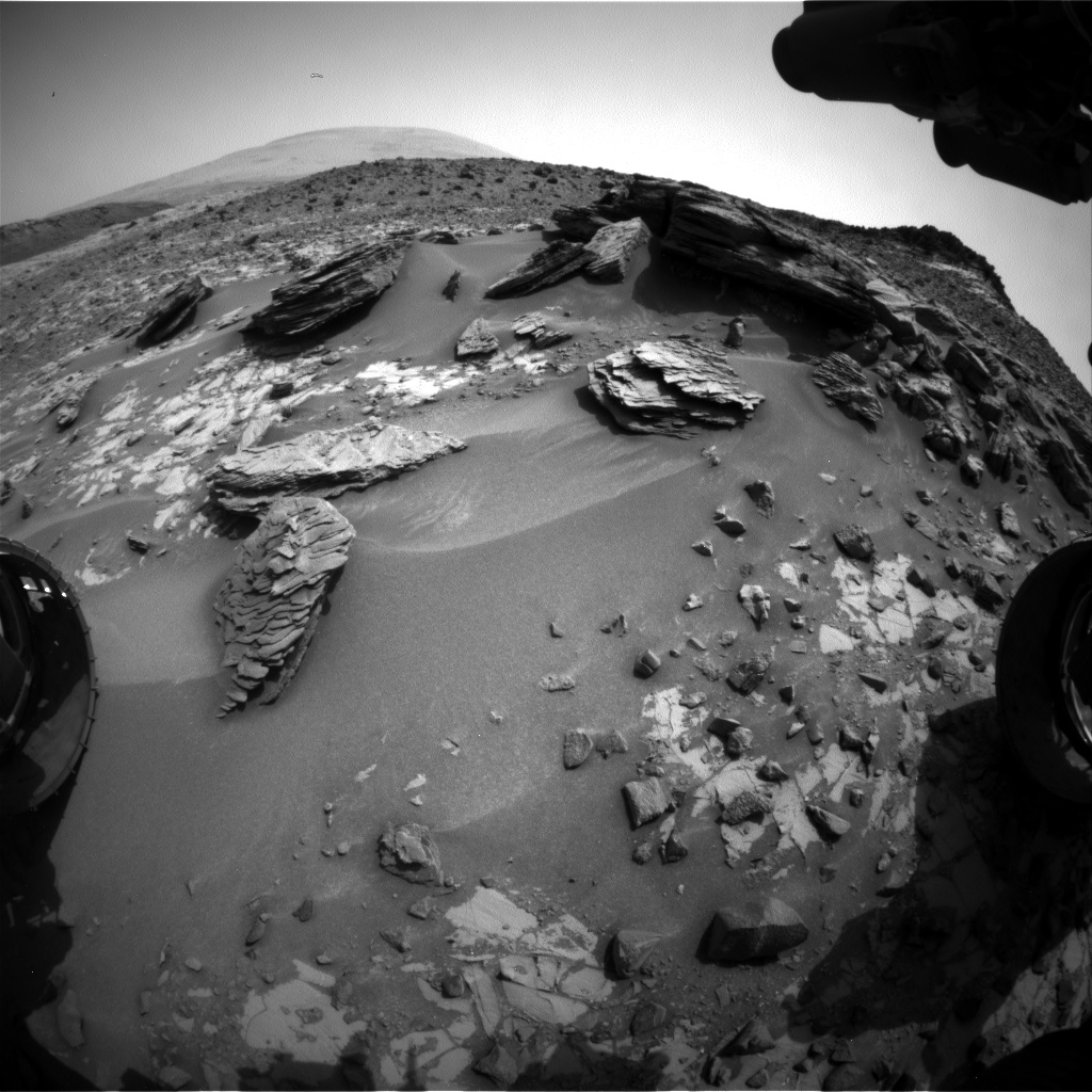 Nasa's Mars rover Curiosity acquired this image using its Front Hazard Avoidance Camera (Front Hazcam) on Sol 862, at drive 2414, site number 44