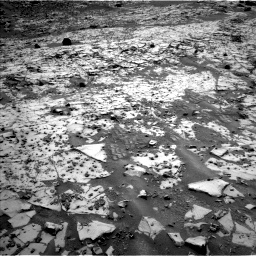 Nasa's Mars rover Curiosity acquired this image using its Left Navigation Camera on Sol 862, at drive 2720, site number 44