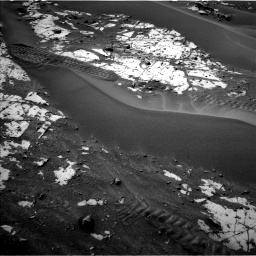 Nasa's Mars rover Curiosity acquired this image using its Left Navigation Camera on Sol 862, at drive 2810, site number 44