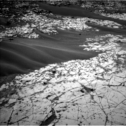 Nasa's Mars rover Curiosity acquired this image using its Left Navigation Camera on Sol 862, at drive 2876, site number 44