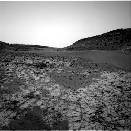 Nasa's Mars rover Curiosity acquired this image using its Right Navigation Camera on Sol 862, at drive 2450, site number 44
