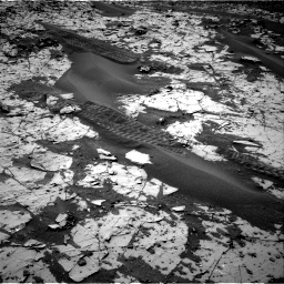 Nasa's Mars rover Curiosity acquired this image using its Right Navigation Camera on Sol 862, at drive 2780, site number 44