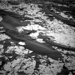 Nasa's Mars rover Curiosity acquired this image using its Right Navigation Camera on Sol 862, at drive 2786, site number 44