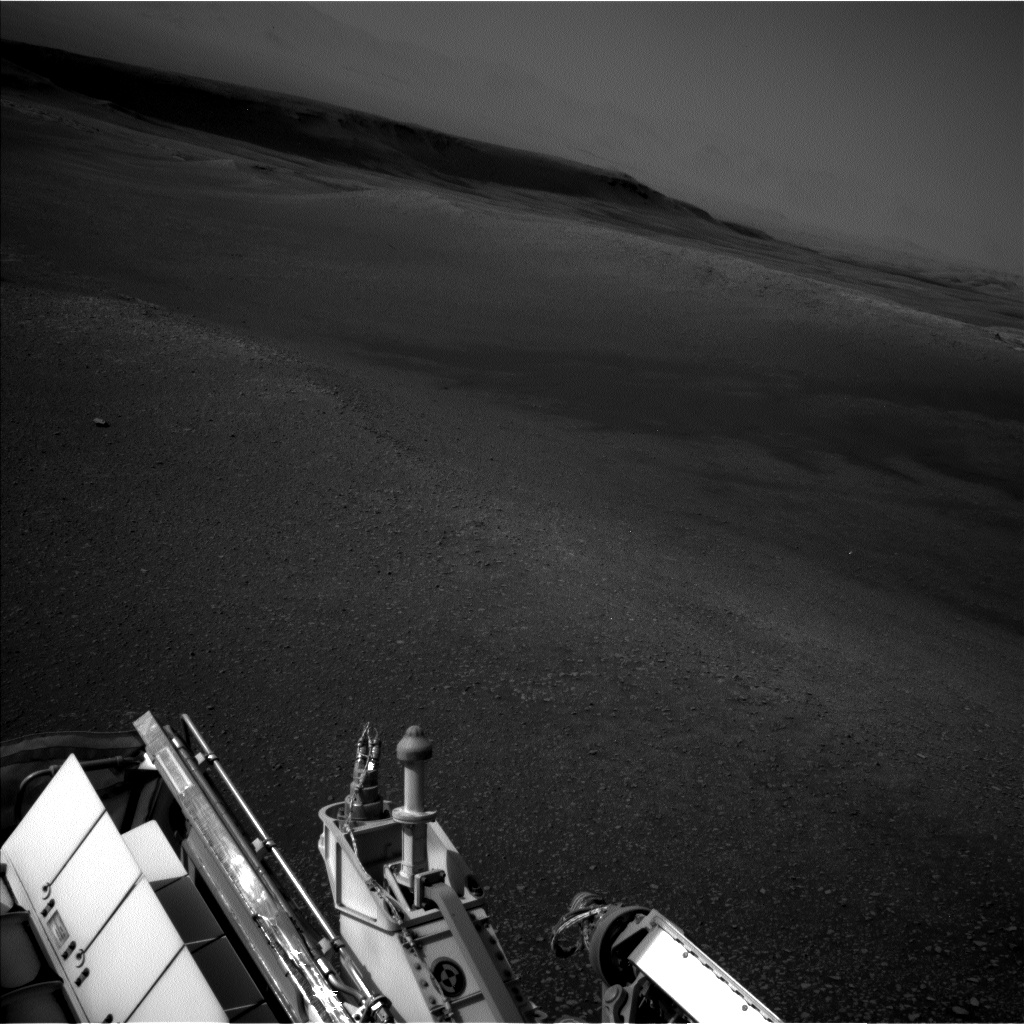Nasa's Mars rover Curiosity acquired this image using its Left Navigation Camera on Sol 2475, at drive 2594, site number 76