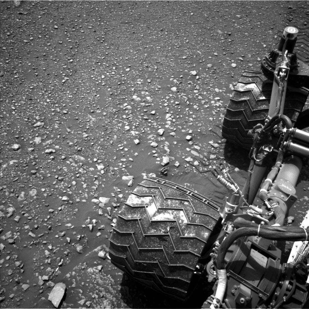 Nasa's Mars rover Curiosity acquired this image using its Left Navigation Camera on Sol 2477, at drive 2810, site number 76