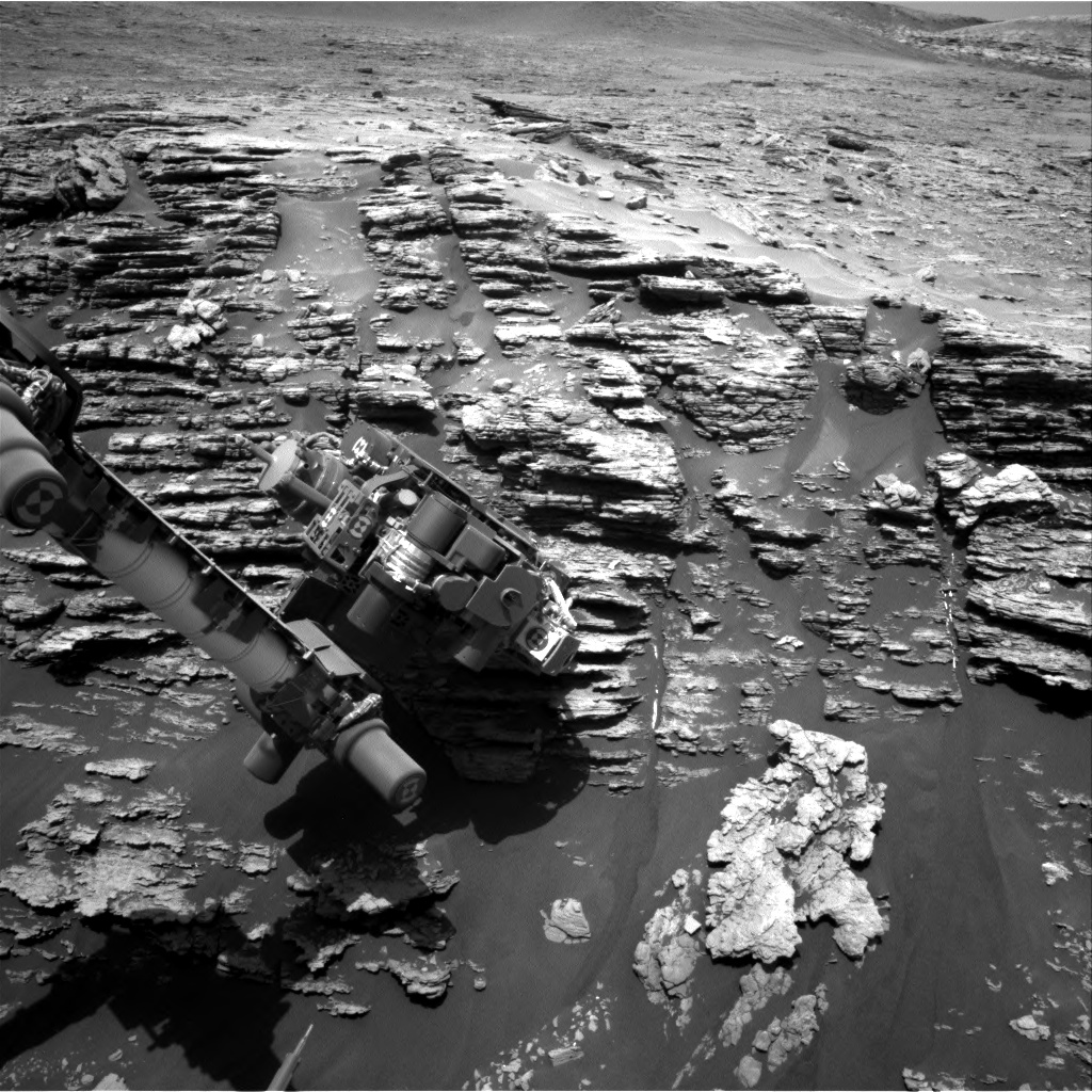 Nasa's Mars rover Curiosity acquired this image using its Right Navigation Camera on Sol 2477, at drive 2672, site number 76