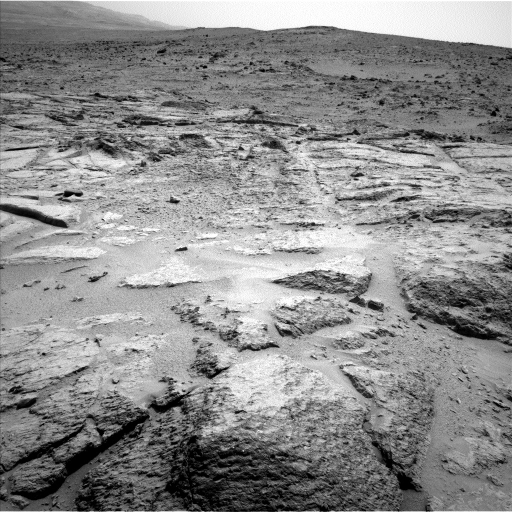Nasa's Mars rover Curiosity acquired this image using its Left Navigation Camera on Sol 302, at drive 450, site number 6