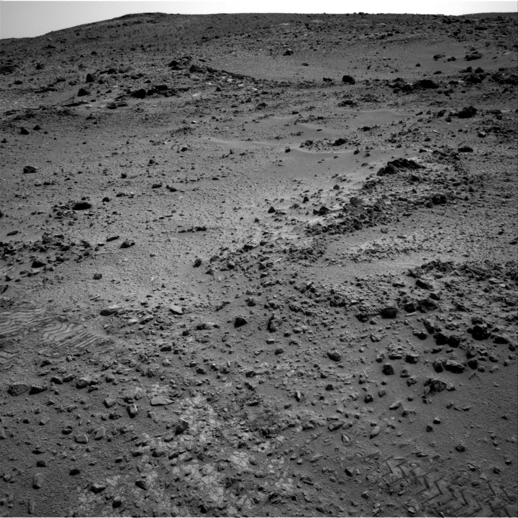 NASA's Mars rover Curiosity acquired this image using its Right Navigation Cameras (Navcams) on Sol 324