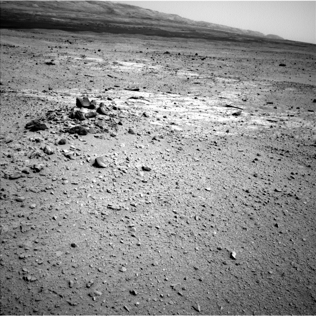 Nasa's Mars rover Curiosity acquired this image using its Left Navigation Camera on Sol 376, at drive 454, site number 14