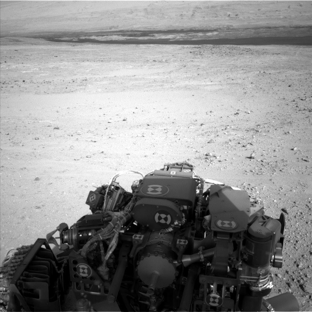 Nasa's Mars rover Curiosity acquired this image using its Left Navigation Camera on Sol 385, at drive 998, site number 15