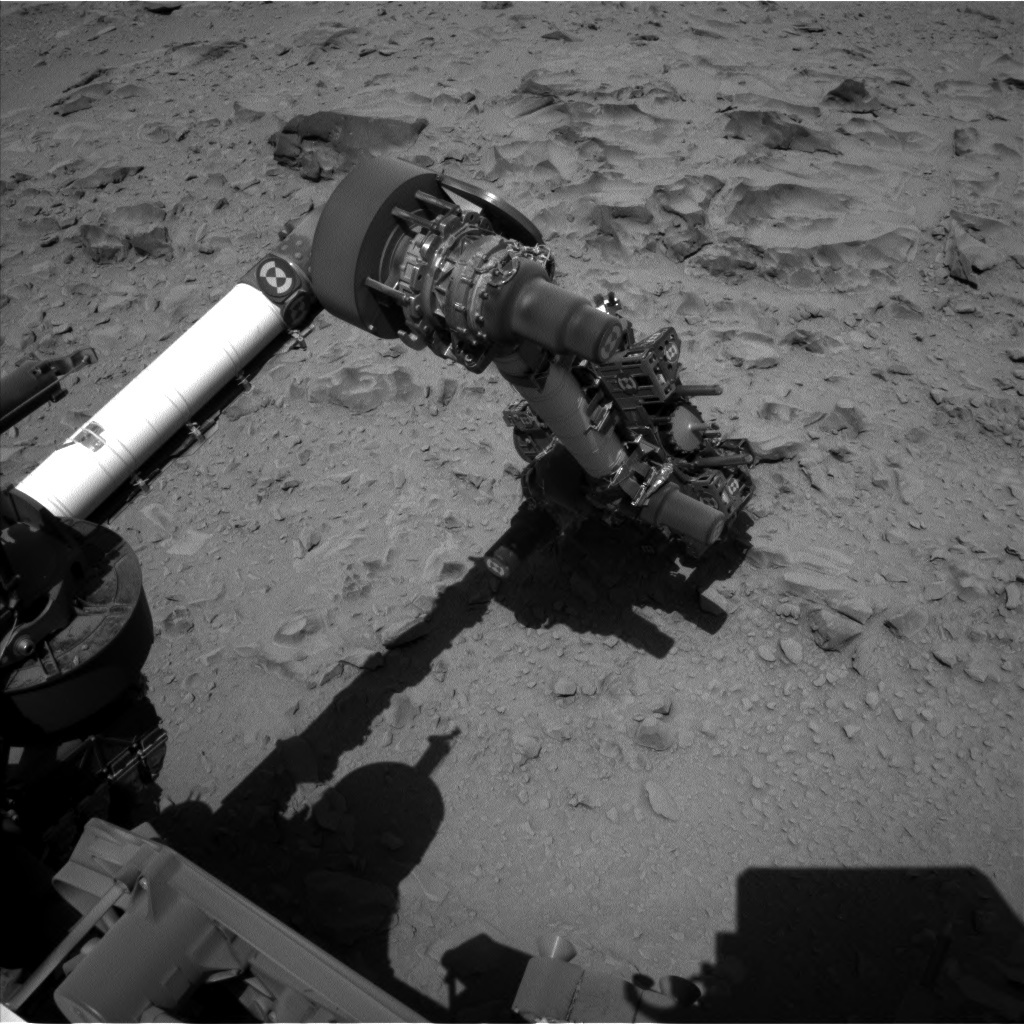 NASA's Mars rover Curiosity acquired this image using its Left Navigation Camera (Navcams) on Sol 472