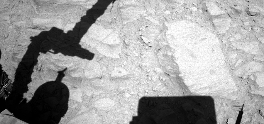 NASA's Mars rover Curiosity acquired this image using its Left Navigation Camera (Navcams) on Sol 487